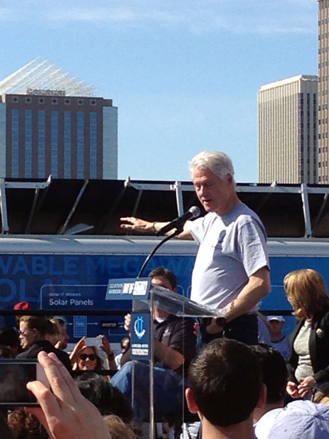 President Clinton and Mobile Solar